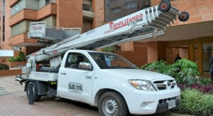 Grua monta-muebles para Mudanzas por fachada, propiedad de movilizando a Colombia